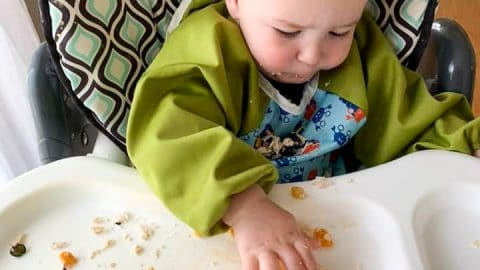 All in one bib shirt to wear for messy meals, fantastic baby hack