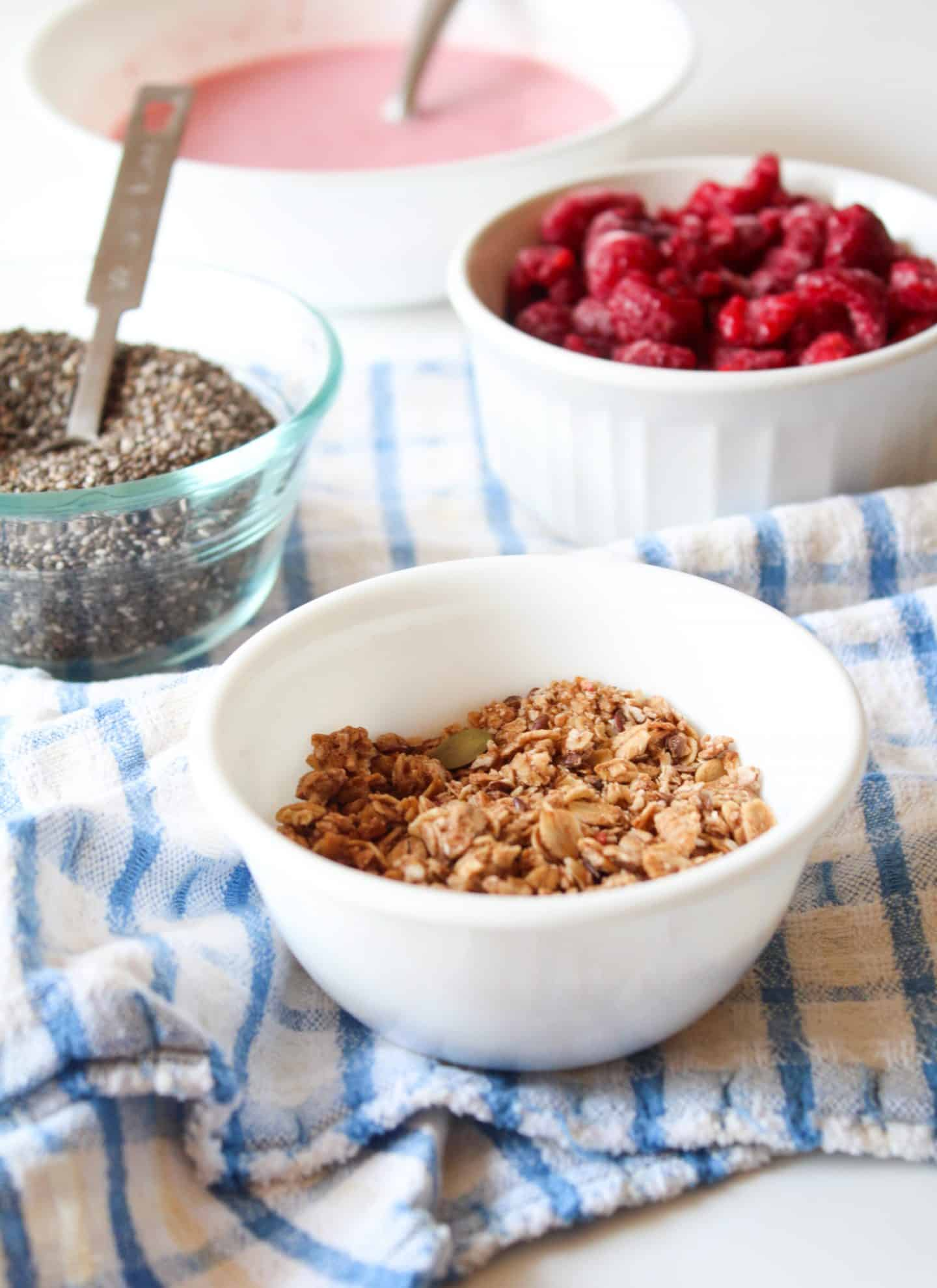 toddler breakfast smoothie bowl topping ideas
